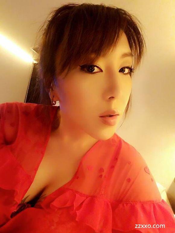 Chen Shenli's children Wang Xiang辰神麗子女王様 (24) Lipstick口紅  赤い唇  Red lips|ZZXXO